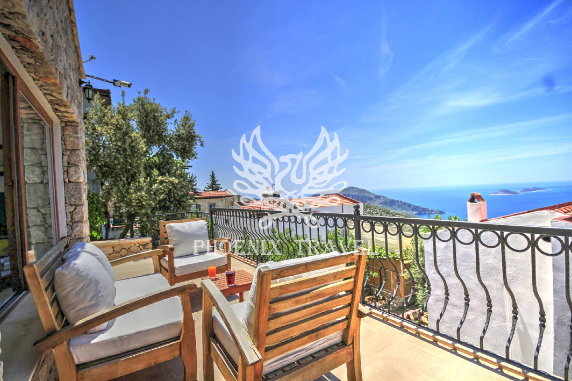 DETACHED STONE VILLA WITH STUNNING VIEW